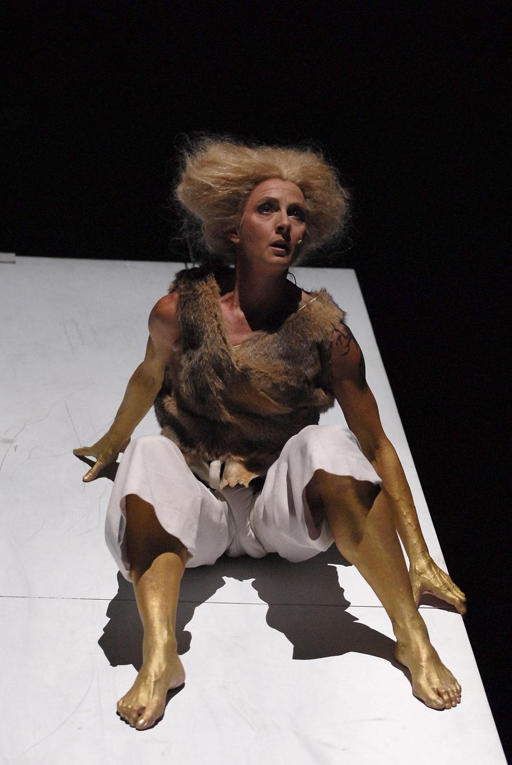 Medea. Stimmen, Christa Wolf, PAN.OPTIKUM, Theater Freiburg, Landesstiftung Baden-Württemberg, Annette Huber,